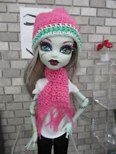 MONSTER HIGH HANDMADE CROCHET PINK/GREEN HAT & SCARF FASHION STYLE CLOTHING