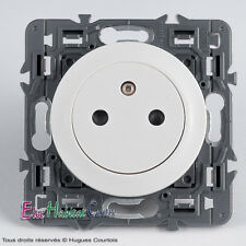 Prise affleurante 2P+T 16A Legrand Céliane blanc 67111+68111+80251