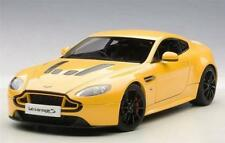 AUTOart Aston Martin V12 Vantage S 2015 Yellow 1:18 70252