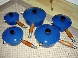 LE CREUSET CAST IRON PAN SET in BLUE (5  items)