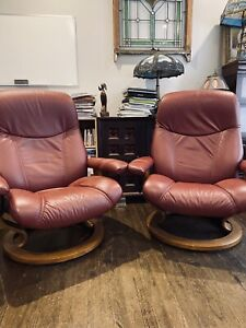 2 Ekornes Stressless Leather Adjustable Recliner Burgundy Size Medium