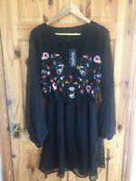 BNWT Boohoo Plus Size 18 Black Floral Embroidered Chiffon Skater Smock Dress