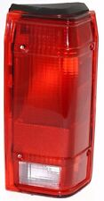 FLEETWOOD AMERICAN TRADITION 2008 2009 RIGHT TAIL LAMP LIGHT TAILLIGHT REAR RV