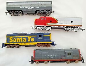 Lot 4-Bachmann-Life Like-2 Unmarked Santa Fe/SP/new York Central Engines-Tested