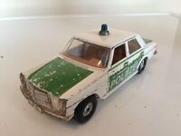 CORGI MERCEDES-BENZ 240D POLICE CAR POLIZEI