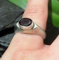 Schöner Silber Ring Granat Modern Schlicht Designer Rot Dunkel Klassiker
