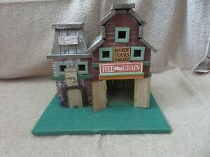 BARN (scenery) O scale  - nicely weathered wood custom