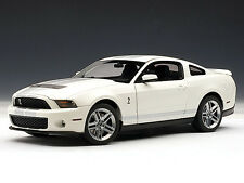 2010 Ford Mustang SHELBY GT500 Cobra White with Silver Stripes 1:18 AUTOart