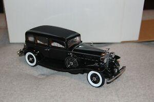Danbury Mint 1932 Cadillac V-16 Fleetwood Sedan Die Cast model