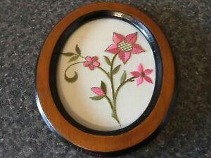 Wooden Wall Plact With Pink Flowers