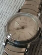 VINTAGE 17 JEWELS TIMEX WIND UP LADIES WATCH-WORKING