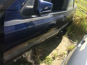 VOLKSWAGEN GOLF 1997 Door Left Front