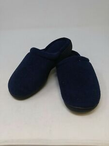 Isotoner Women's Blue Slippers Size 6.5-7 US