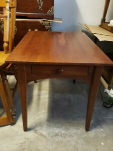 Ethan Allen American Impressions Shaker End Table #24-8406 #224 Autumn Cherry