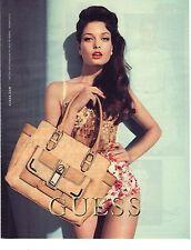 PUBLICITE 2012  GUESS haute couture sacs bagages