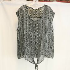 Maurices Womens 3 (24/26) Blouse Tie Front Sheer Lace Back