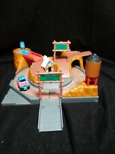 1991 Micro Machines Hiways & Byways OFF-ROAD CROSSING Playset Complete with 4x4