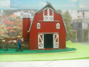 HO scale building Brown Barn gray roof diorama Plasticville