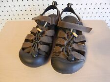 Youth KEEN waterproof sandals - brown - size 5