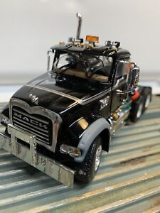1st Gear Mack Granite With NEW Bottom Dump Trailer Silver 1/50 Scale (PartsLot)