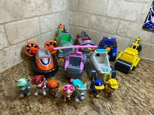 Nickelodeon's Paw Patrol Lot Of 7 Figures & 7 Vehicles Spin Master