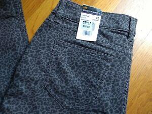 NWT LEE Woman's Secretly Shapes Leopard Print Straight Leg Jeans Size 12 Grey