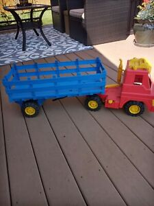 Vintage Remco 1960's Semi & Trailer Plastic Battery Operated 40 inch long