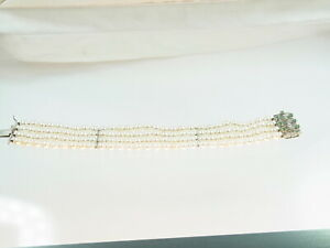 Schönes viereihiges Akoya Zuchtperlen Armband 585 WG Smaragd Schloss 5,3 mm