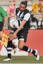 Newcastle United Jonas Gutierrez 6X4 foto firmada a mano.