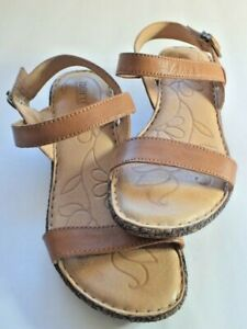 Born, Womens, Sz. 9 med.Tan, Strappy, Leather, Sandals, Wedge Heels