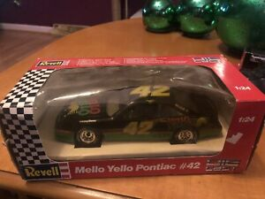 KYLE PETTY #42 Mello Yello Revell Pontiac Nascar 1/24 Scale Diecast