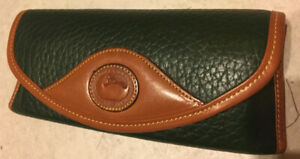 Vintage Dooney and Bourke hardshell eyeglass case in Dark Green/ British tan