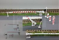 FERRMODEL 210 - FS passaggio a livello H0 con 2 barriere e accessori. Scala H0