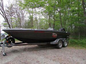 Tuffy 1890 esox Deep V boat hybrid deep V/bass Fishing boat