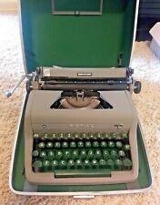 "Vintage 1950/60's Working ROYAL ""Quiet De Luxe"" Typewriter w/ Case! Green Keys!!"
