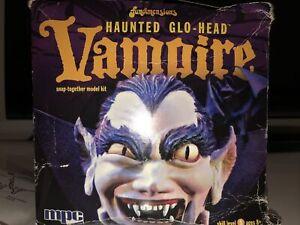 RARE 2010 VAMPIRE GLOW IN THE DARK HEAD MODEL KIT COLLECTIBLE #MPC723 NIB