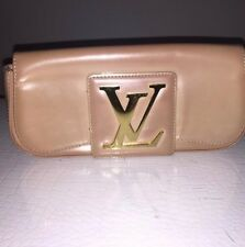 100% AUTHENTIC Louis Vuitton Clutch