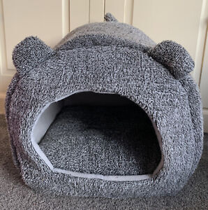 Cat / Kitten Hooded Cosy Pet Bed House Igloo