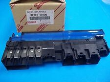 GENUINE LEXUS 8262050100 LS460 LS460L ENGINE COMPONENT FUSE HOLDER 82620-50100 !