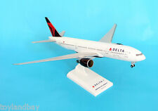 SkyMarks SKR374 Delta Airlines Boeing 777-200 1:200 Scale New Livery with Stand