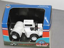 Vintage BIG BUD Model KT 450 Toy Tractor 1:64 scale Made by MARTIN FAST NIB