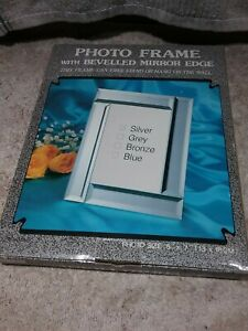 """VINTAGE 5"""" X 7"""" SILVER BEVELLED MIRROR PICTURE FRAME - FREE STAND OR HANG"""