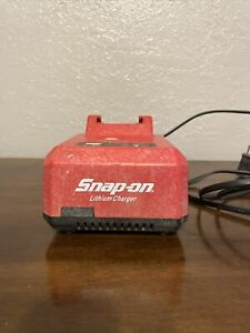 Snap-on Tools 18v - 21.6 volt Lithium Charger CTC720 with USB port