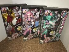 Monster High HAUNTLYWOOD HONEY SWAMP Viperine Clawdia Frights Camera Action Lot