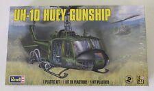 Revell UH-1D Huey Gunship in 1/32 85-5536 ST