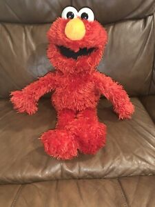 Playskool Elmo Interactive Talking Love 2 Learn Toy Bluetooth Smart to App B6572