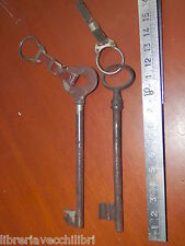 Lotto di 2 ANTICA CHIAVE in ferro con portachiave d epoca per serratura porta da