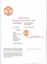 ARTHUR GRAHAM MANCHESTER UNITED 1983-1984 ORIGINAL HAND SIGNED CUTTING/CARD