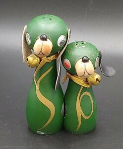 Vintage Salt & Pepper Shaker - Green Wood Mom and Puppy Dogs Magnetic