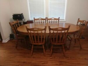 Tell City Chair Co. Table and 6 Chairs